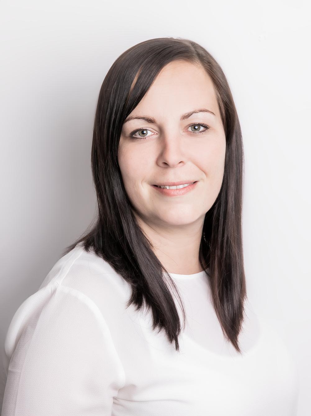 Katharina Meyfarth - Sachbearbeiterinh